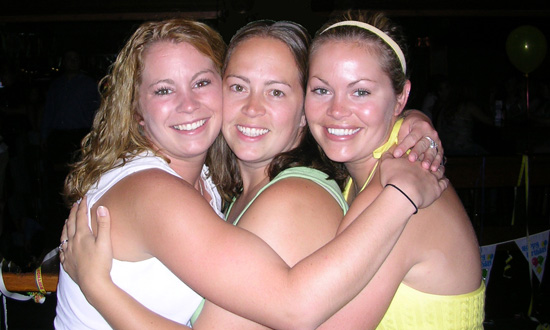 3 girls hugging